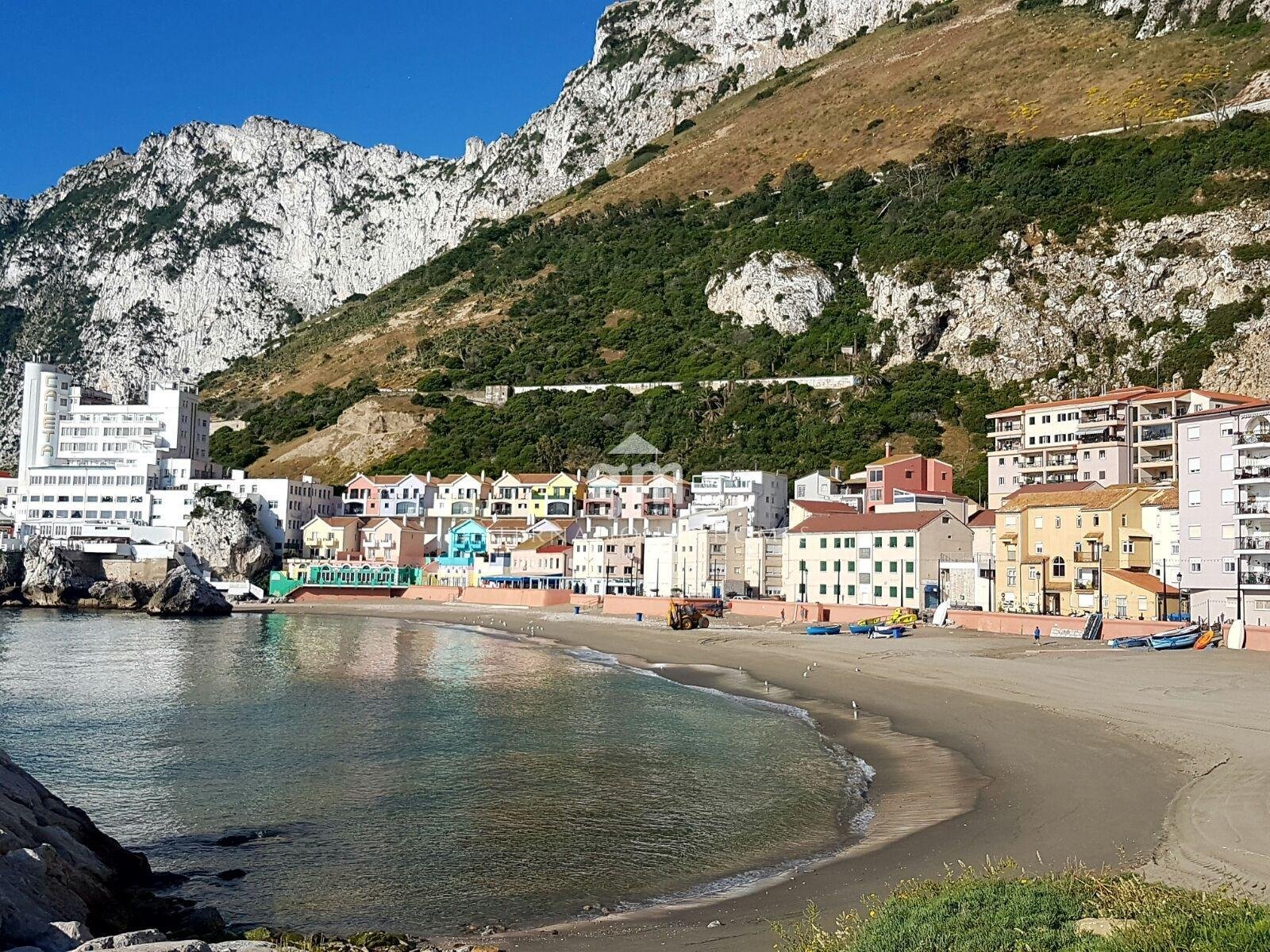 Commercial property to rent in Catalan Bay Image 2